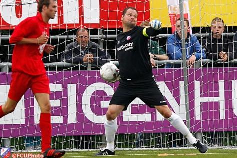 jeroen verhoeven 2013-07-05 FC Utrecht wint ook 3e duel van FC Nijkerk1