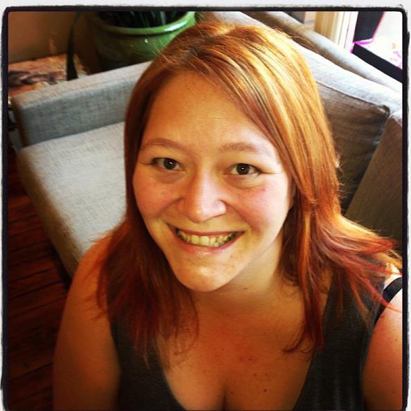 jeska-orange-hair-selfie