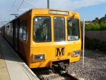 Tyne_and_Wear_Metro_train_4089_at_South_Hylton
