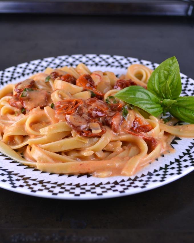 Sun-Dried Tomato and Basil Pasta