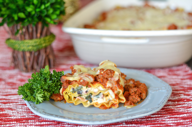 Spinach Lasagna Rolls with Easy Meat Sauce