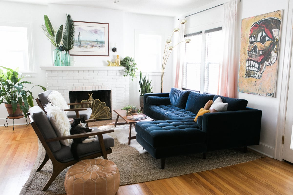 Why I Love My Sven Sofa | Mid Century Modern Homes | Article Furniture | Sectional Sofa | Modern Living Room | Best Living Room Colors | Jessica Brigham Blog