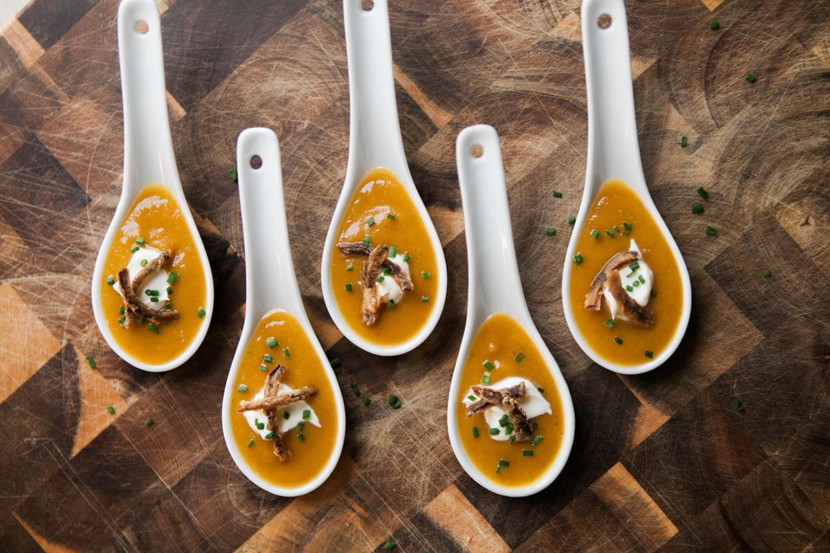 Tapasgiving | Spicy & Sweet Pumpkin Soup Shooter | 30-Minute Meals | Thanksgiving Appetizer |Jessica Brigham Blog