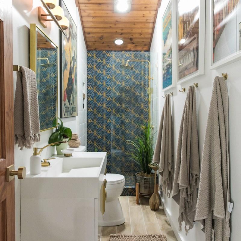 Bold + Glammy Guest Bathroom REVEAL | Bathroom Renovation | Bath Remodel | Jessica Brigham | Magazine Ready for Life | jessicabrigham.com