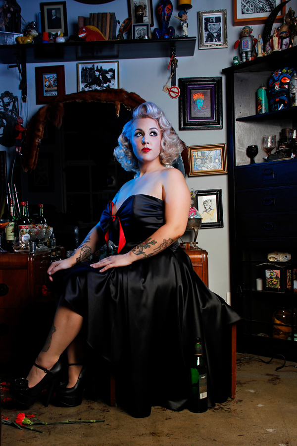 Vintafge pinup noir photoshoot by Jessica Louise