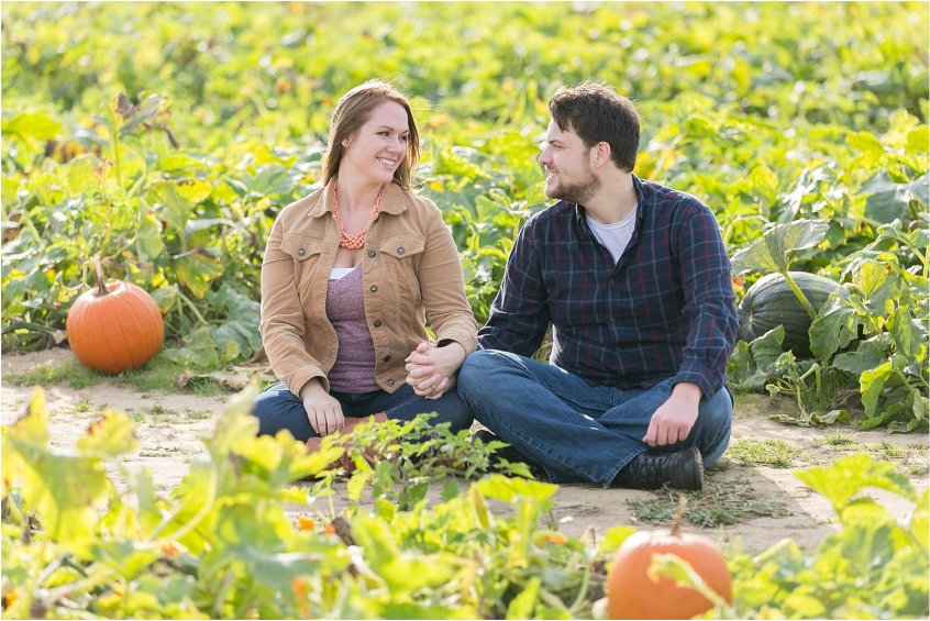 jessica_ryan_photography_pumpkin_patch_engagement_portraits_fall_october_engagements_virginia_beach_chesapeake_0279