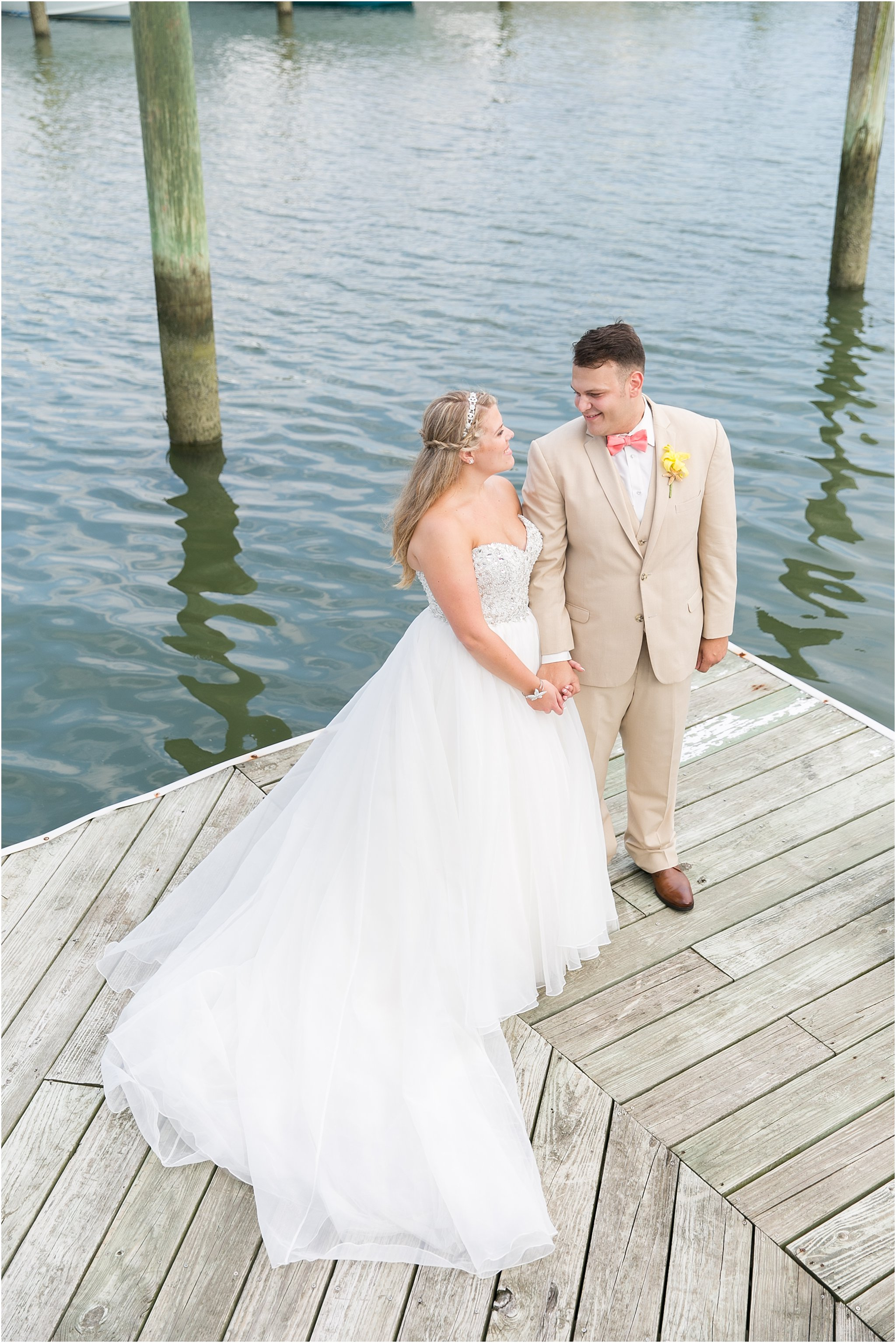 jessica_ryan_photography_virginia_beach_water_tabe_wedding_vera_wang_wedding_dress_0697