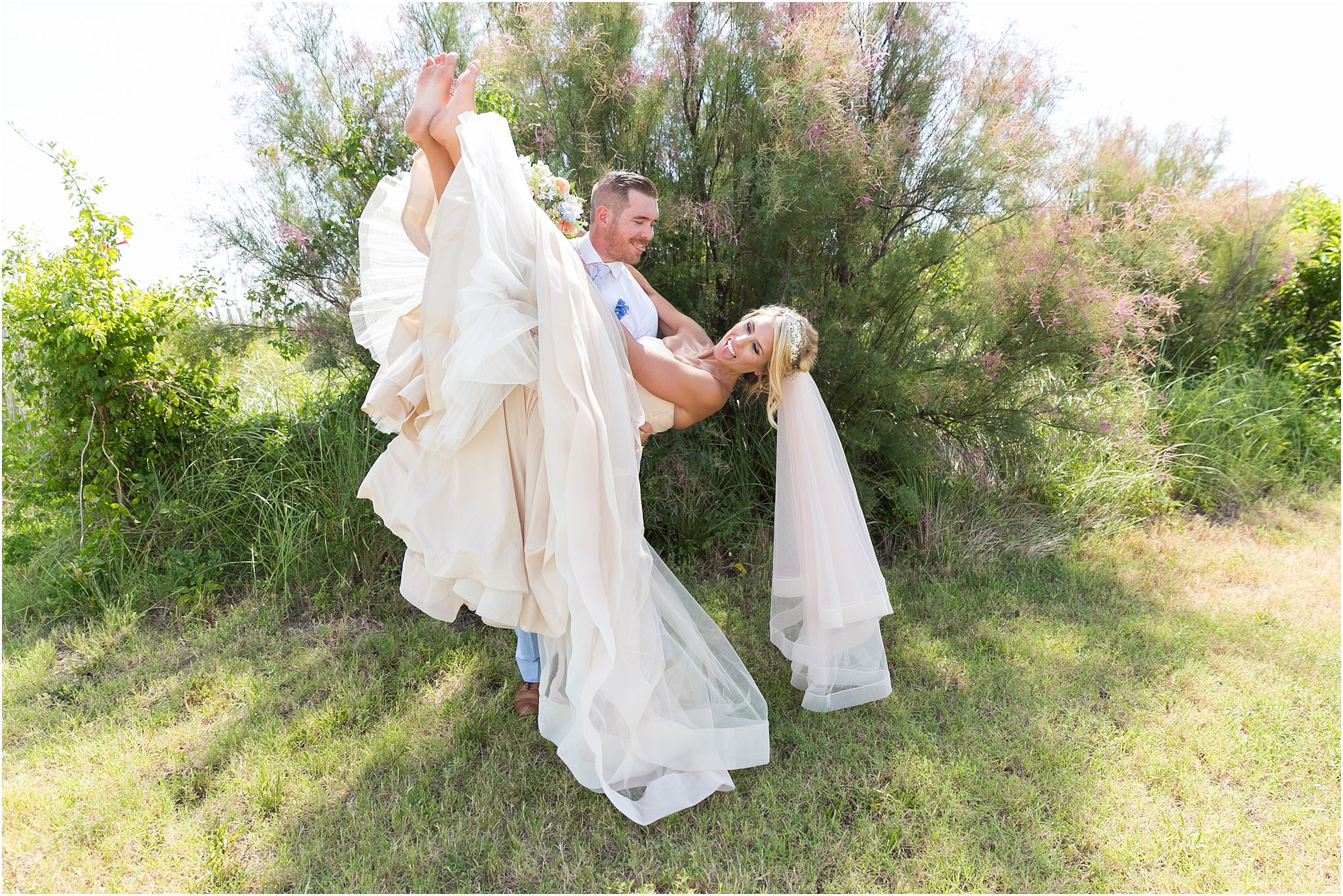 jessica_ryan_photography_virginia_beach_water_tabe_wedding_vera_wang_wedding_dress_0623