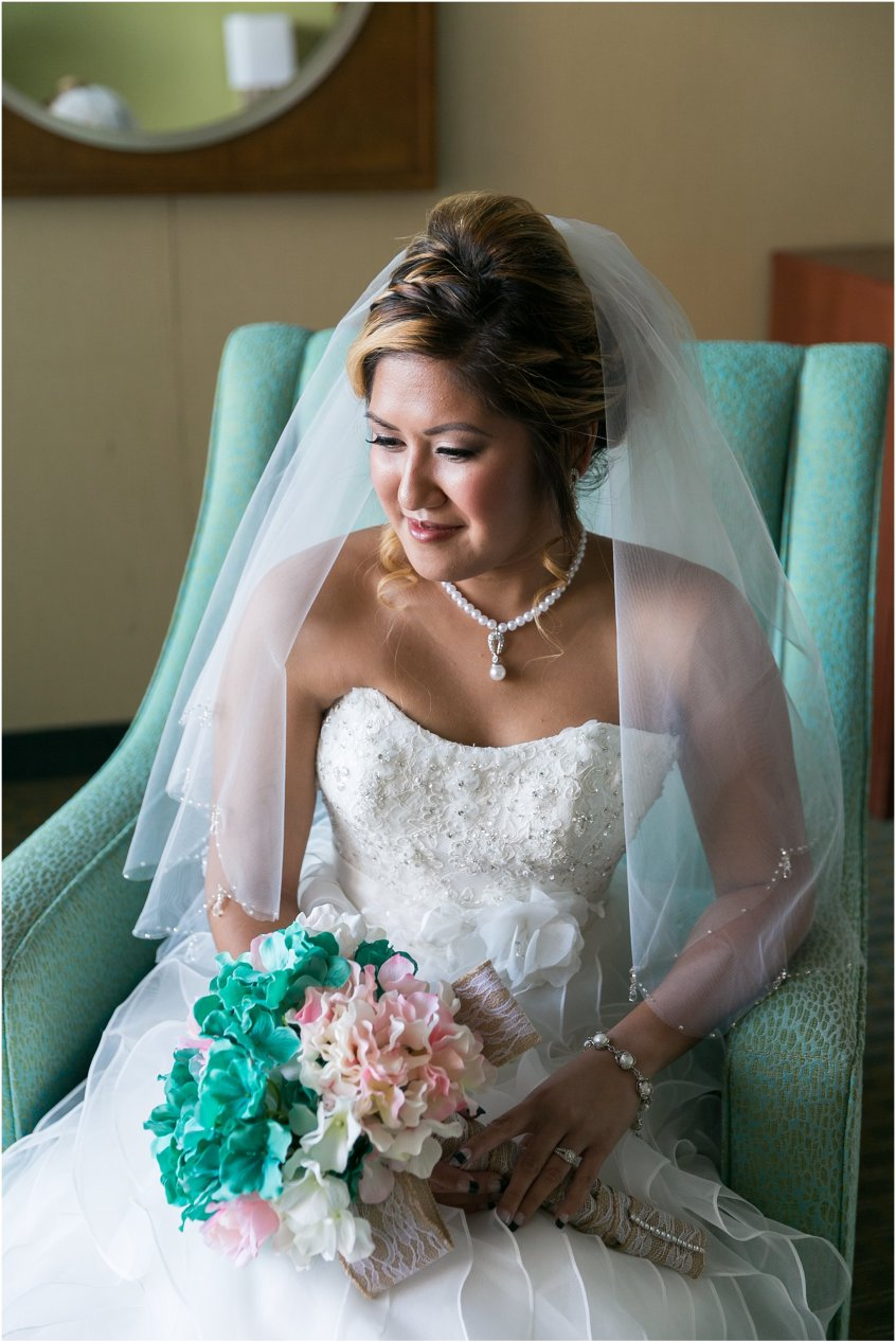 jessica_ryan_photography_wedding_virginia_beach_oceanfront_holiday_inn_north_suites_hotel_wedding_0733