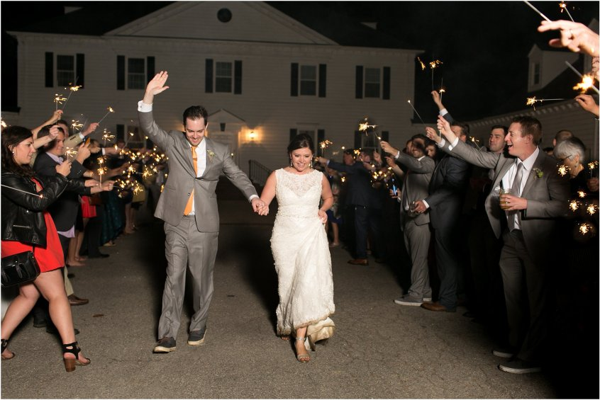 jessica_ryan_photography_holly_ridge_manor_wedding_roost_flowers_jamie_leigh_events_dhalia_edwards_candid_vibrant_wedding_colors_1378