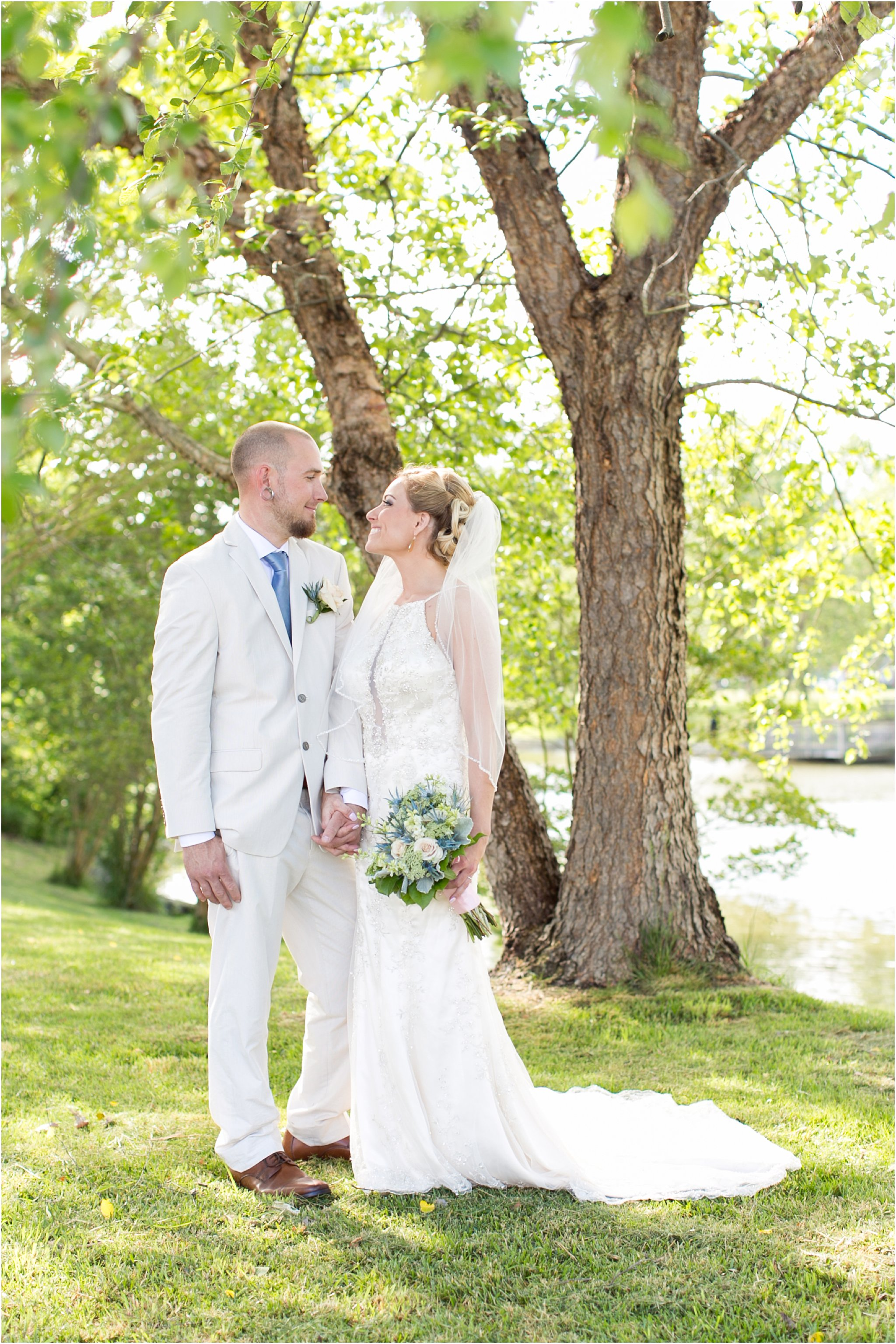 jessica_ryan_photography_virginia_virginiabeachweddingphotographer_studioIdo_backyardwedding_waterfrontwedding_1673
