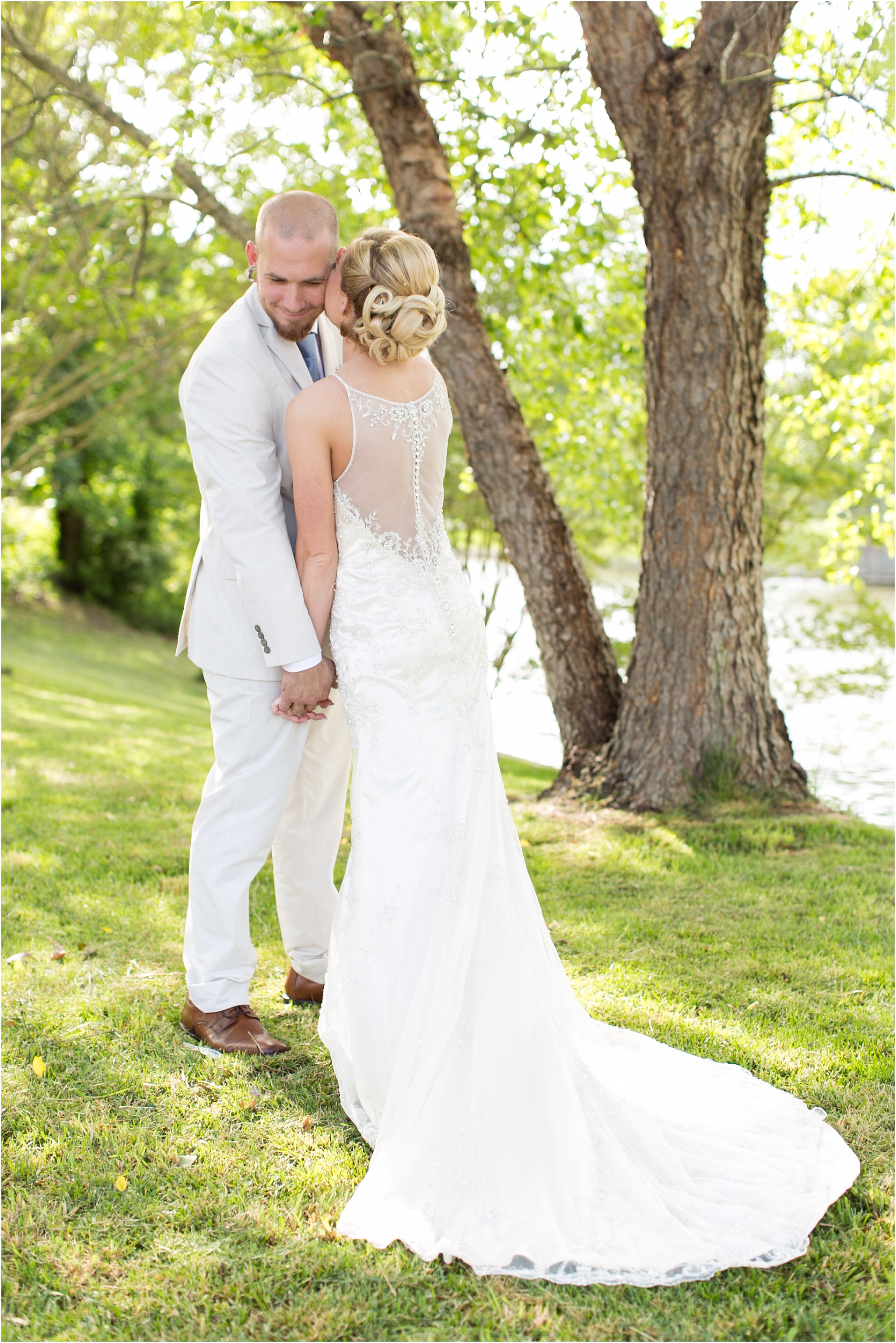jessica_ryan_photography_virginia_virginiabeachweddingphotographer_studioIdo_backyardwedding_waterfrontwedding_1682