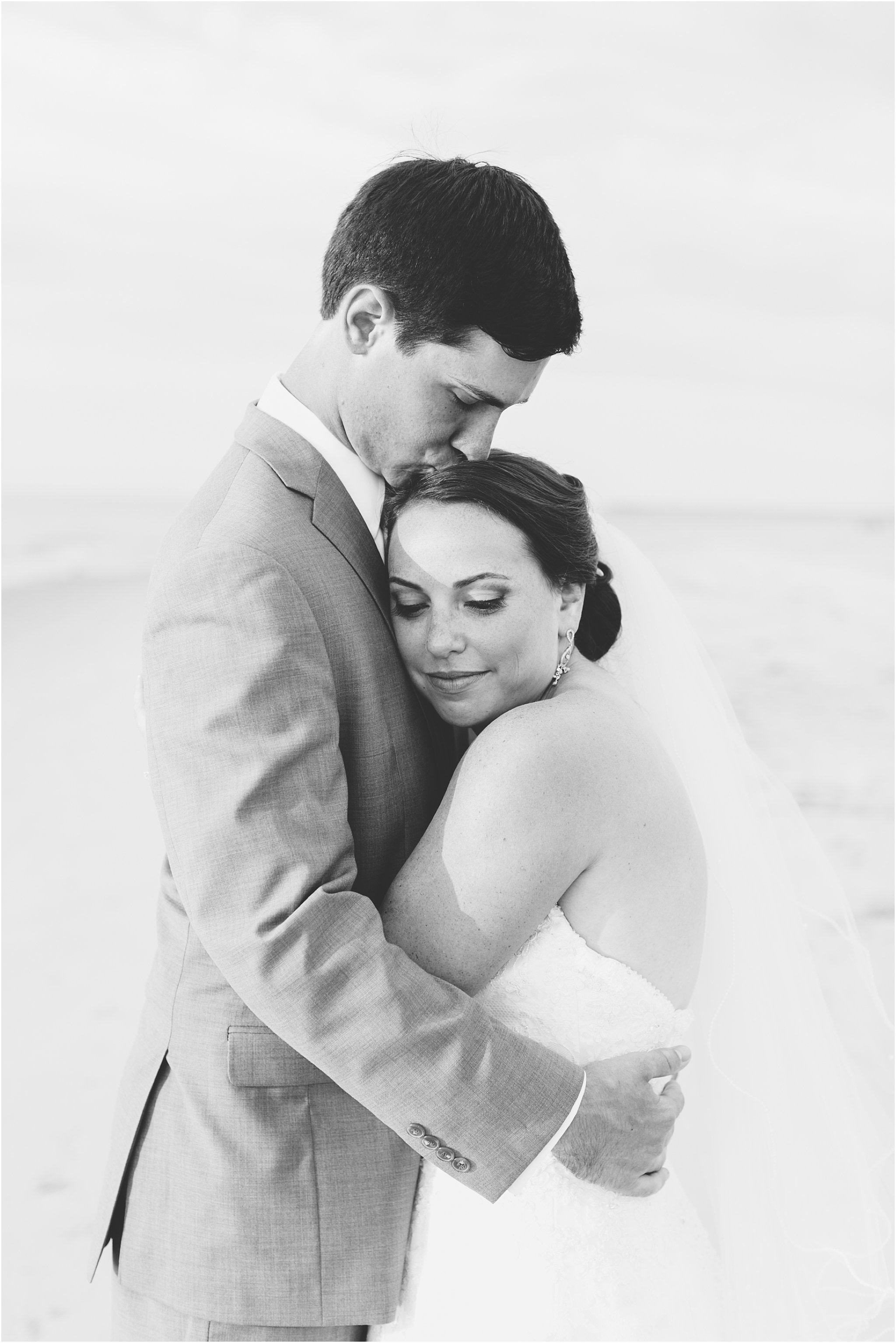 jessica_ryan_photography_wedding_photography_virginiabeach_virginia_candid_authentic_wedding_portraits_marina_shores_yacht_club_chesapeake_bay_1887