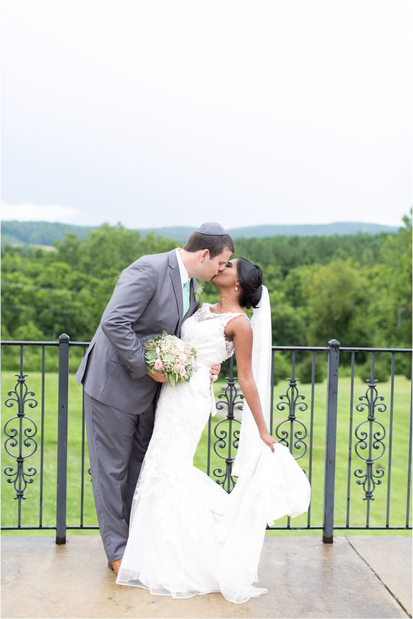 jessica_ryan_photography_virginia__middleburg_briar_patch_bed_and_breakfast_mountainside_wedding_Virginia_wedding_photographer_stella_york_wedding_dress_wedding_2588