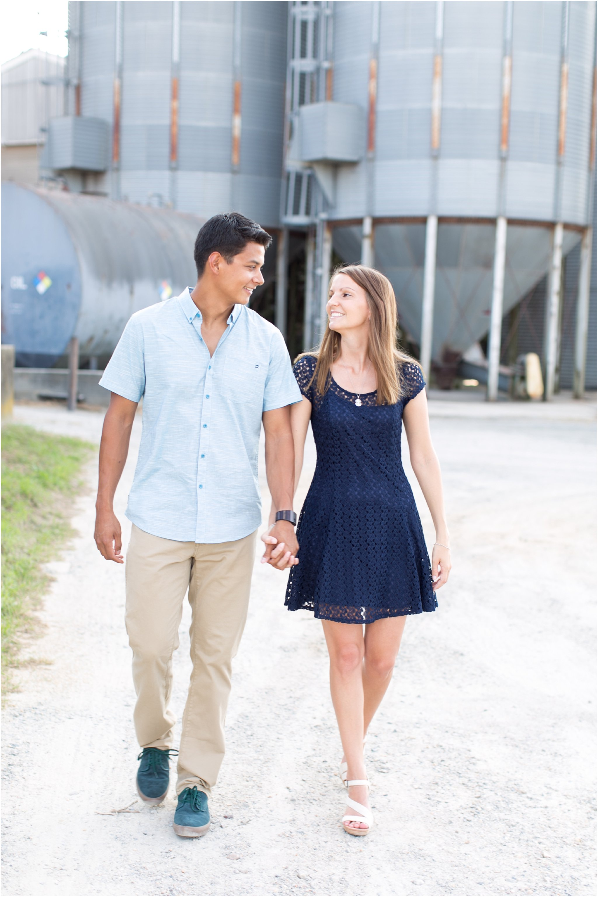 jessica_ryan_photography_virginia_virginia_beach_engagement_portraits_candid_authentic_engagements_pungo_country_farm_2746