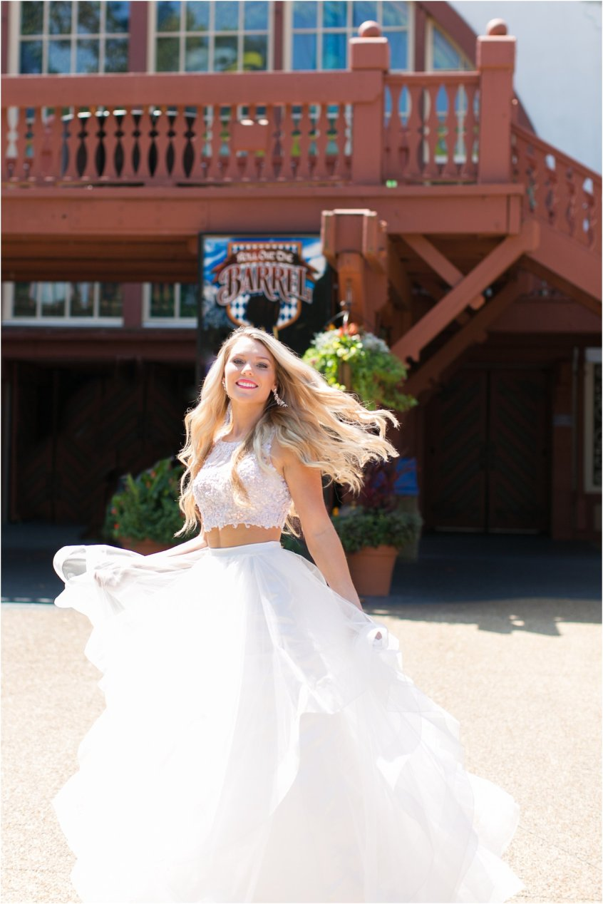 jessica_ryan_photography_busch_gardens_williamsburg_virginia_photographer_formal_dresses_portraits_fun_vibrant_portraits_faviana_designer_sherri_hill_designer_3153