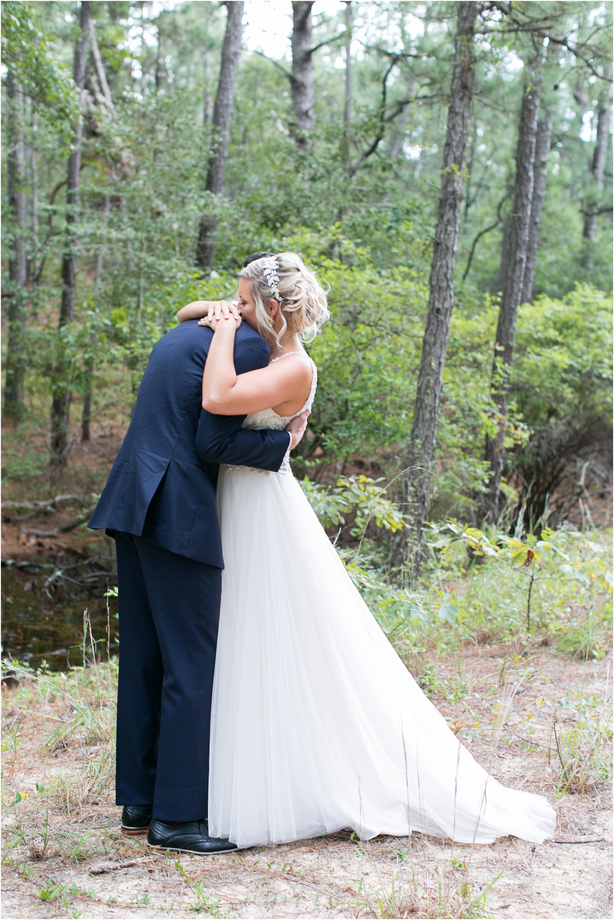 jessica_ryan_photography_virginia_wedding_photographer_candid_authentic_hampton_roads_wedding_photography_marina_shores_yacht_club_first_landing_state_park_woodland_theme_garden_3279