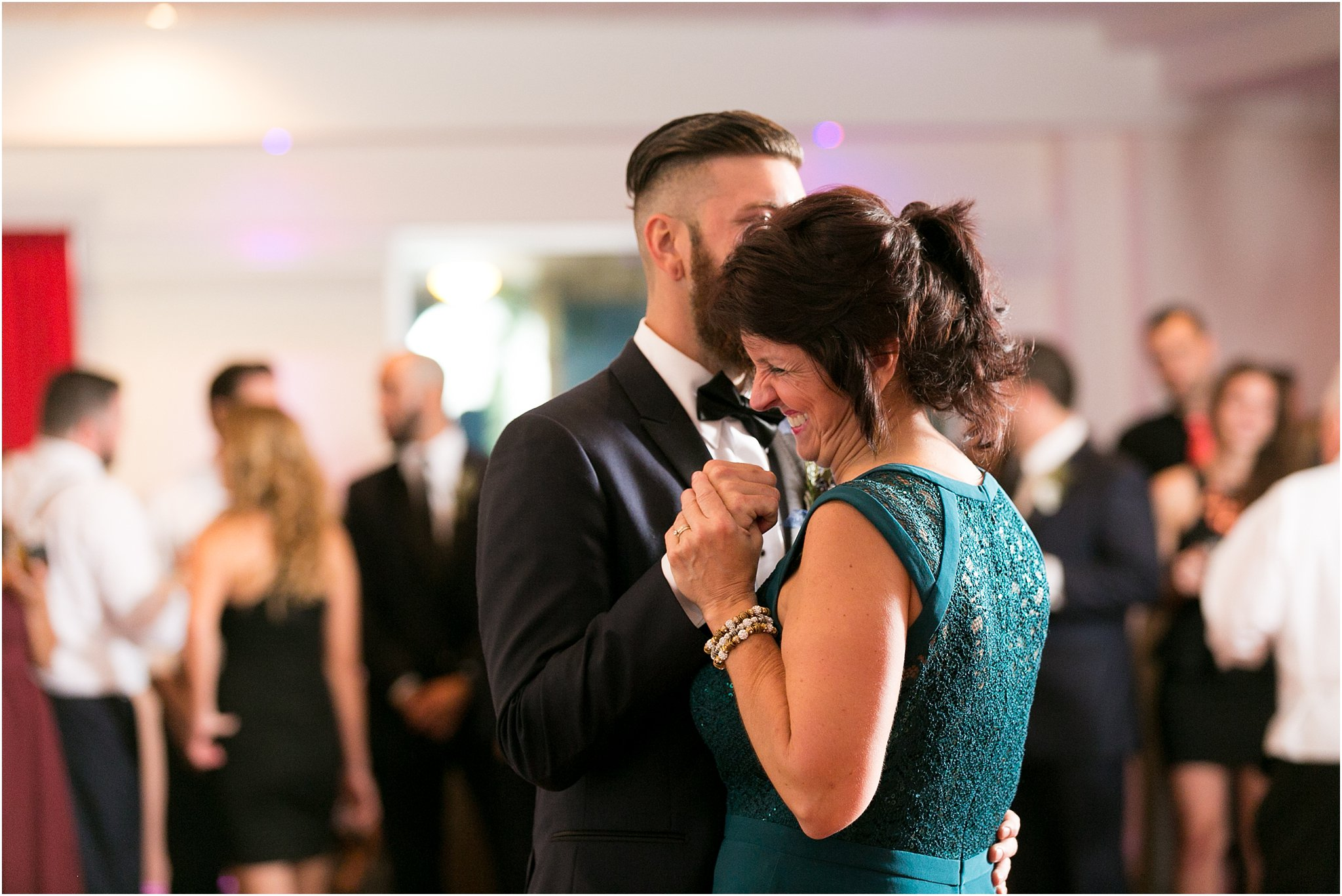 jessica_ryan_photography_virginia_wedding_photographer_candid_authentic_hampton_roads_wedding_photography_marina_shores_yacht_club_first_landing_state_park_woodland_theme_garden_3379