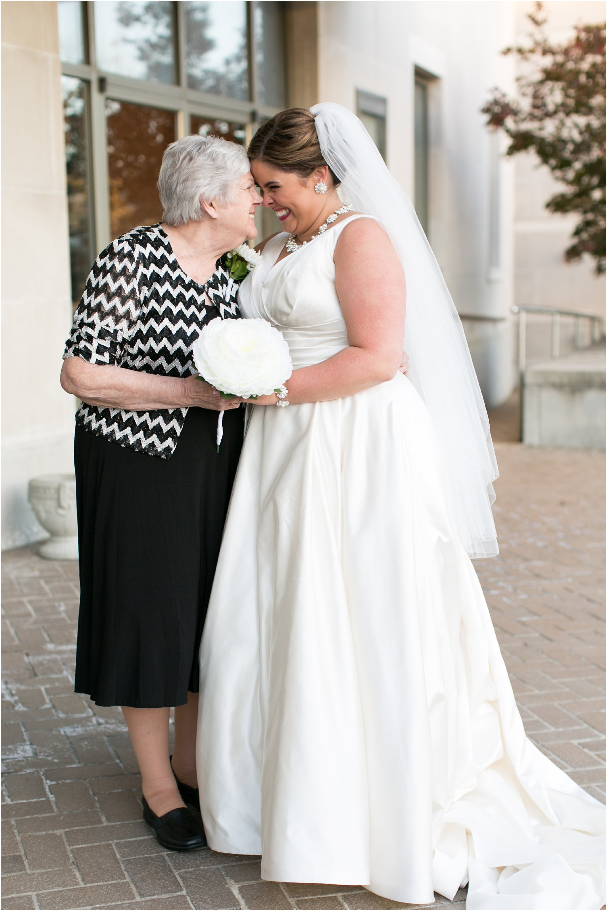 va_jessica_ryan_photography_virginia_wedding_norfolk_harrison_opera_house_norfolk_arts_district_portraits_3792