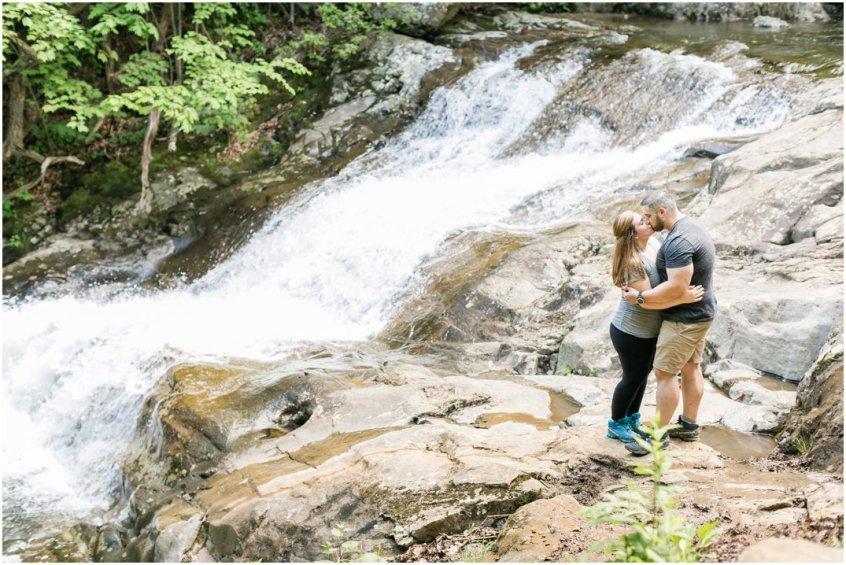 Jessica_ryan_photography_virginia_adventure_sessions_blue_ridge_mountains_couple_1196
