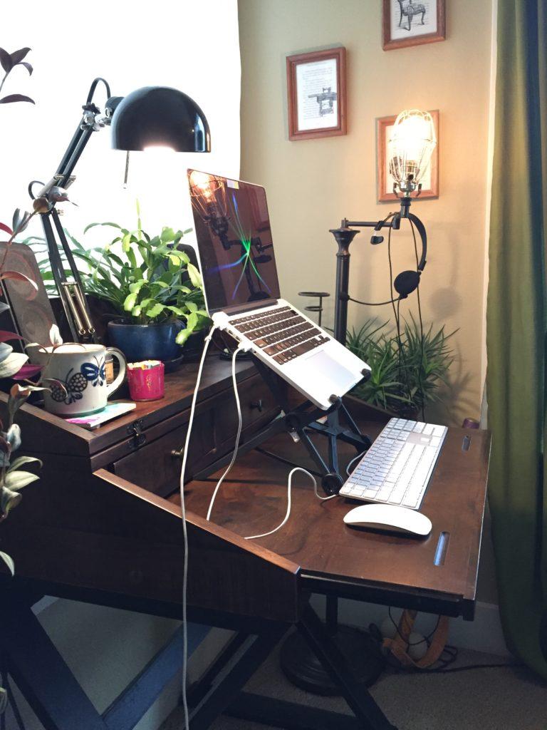 Jessie's ergonomic desk setup