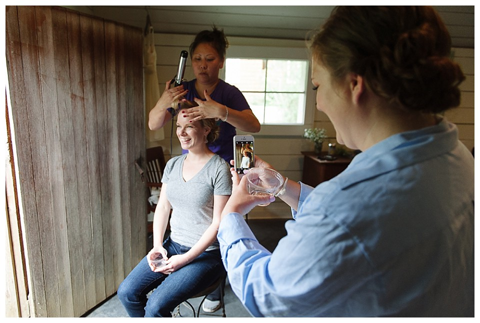 bride getting ready at Red Barn Studios, Chehalis, WA