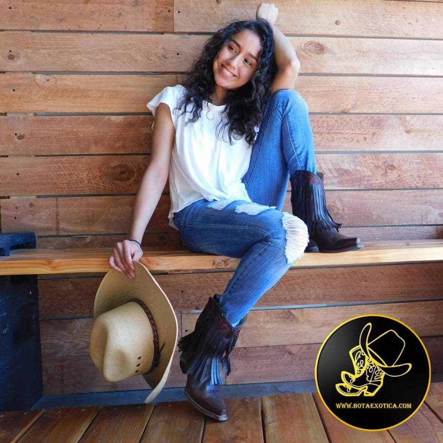 Jessy Ariaz - Photo Gallery Modeling for Bota Exotica Western Wear