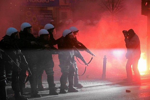 policja marsz niepodległości 11 listopada w Warszawie*...
