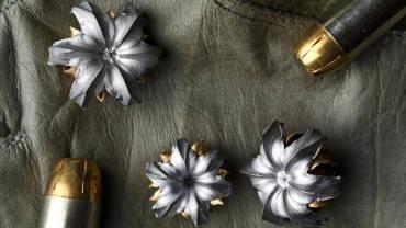 Pociski z podwodnych wystrzałów… przekształcone w kwiaty!