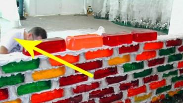 Najbardziej zakręceni murarze na świecie! Nie zgadniesz z czego jest ten mur!