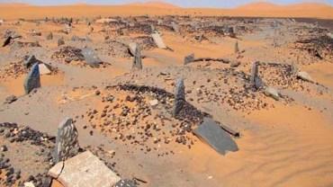 Gdy kiedyś znajdziesz się na Saharze, możesz trafić na ten stary muzułmański cmentarz