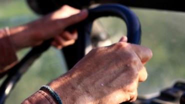Pięć staruszek wybrało się w podróż samochodem. W pewnym momencie zatrzymał je policjant drogówki…