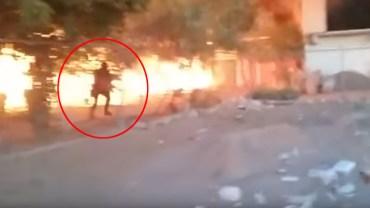 Wstrząsające wideo! Zaryzykował własne życie, aby uratować z pożaru psa!