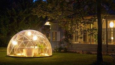 Oto Garden Igloo, efektowna konstrukcja, dzięki której można cieszyć się odpoczynkiem w ogrodzie przez cały rok, niezależnie od pogody