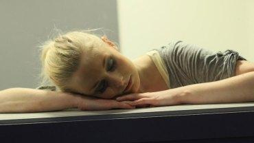 Masz problemy z bezsennością? Dzięki tej sztuczce zaśniesz w czasie krótszym niż minuta!