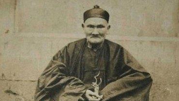 Poznajcie niezwykłego człowieka Li Ching Yuena, który według świadków i rządowych dokumentów miał przeżyć aż 256 lat!