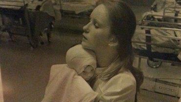 Kobieta poparzona w dzieciństwie po prawie 40 latach odnajduje pielęgniarkę, z którą wtedy zrobiono jej zdjęcie. Podczas spotkania nie spodziewała się, że usłyszy coś takiego!