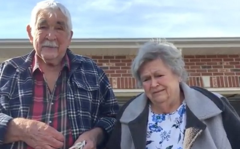 The man took this poor couple's car! 3 days later they thanked him with tears in their eyes 3