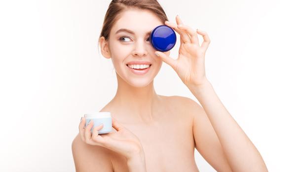 20 toksycznych substancji, które znajdują się w kosmetykach. Sprawdź, czego unikać w preparatach do makijażu i pielęgnacji ciała