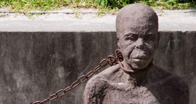 Małżeństwo z Florydy kupiło od przemytników z Meksyku niewolnicę. Los jaki jej zgotowała para, można nazwać piekłem na Ziemi