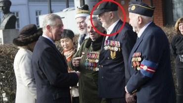 Weteran II wojny światowej przyjmował honory od samego księcia Karola. Jednak ktoś przyjrzał się jego medalom i ujawnił zdumiewającą prawdę