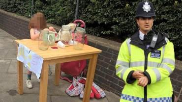 5-letnia dziewczynka sprzedawała lemoniadę, policjanci potraktowali ją, jak przestępce gospodarczego i dali mandat