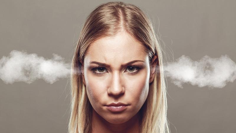 10 głupich rzeczy, które każdy z nas robi po zerwaniu. Pora z tym skończyć!