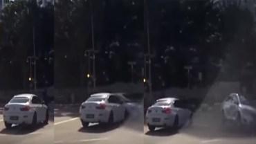 Samochód widmo? Kamera w autobusie nagrała bardzo nietypowy wypadek. Nikt nie wie, skąd się wzięło to auto!