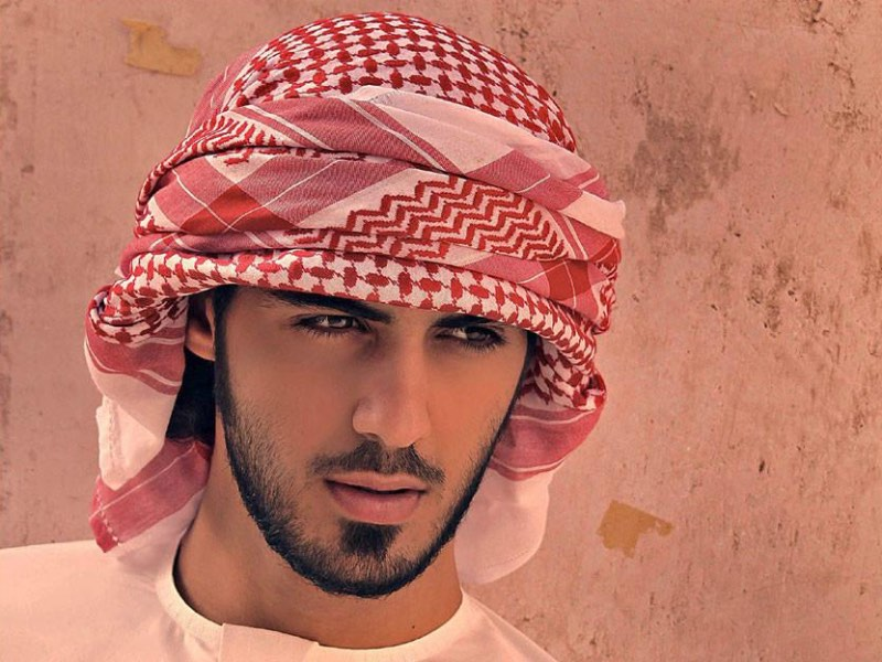 Saudi authorities recognized him as an indecently attractive man and threw him out of the country! Is he really so handsome? 2