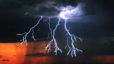 Zobaczcie piękno burzy pokazane z częstotliwością 1000 klatek na sekundę! Ten widok zarówno zachwyca, jak i przeraża