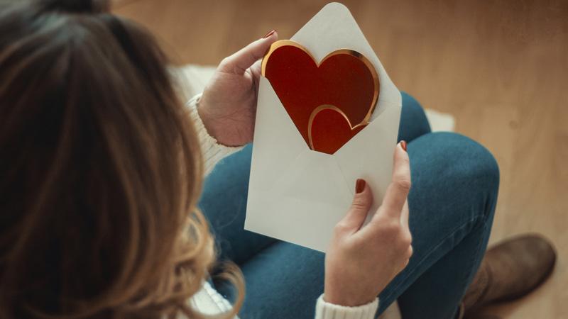 Przez swojego ex nie cierpisz Walentynek? Brytyjskie zoo znalazło sposób, jak się zemścić i odczarować święto