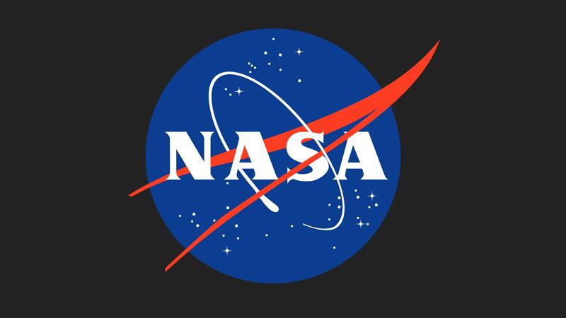 """Duchowny mówi, że """"Księżyc kurczy się jak rodzynka"""" i straszy końcem świata. Powołuje się na raport NASA!"""