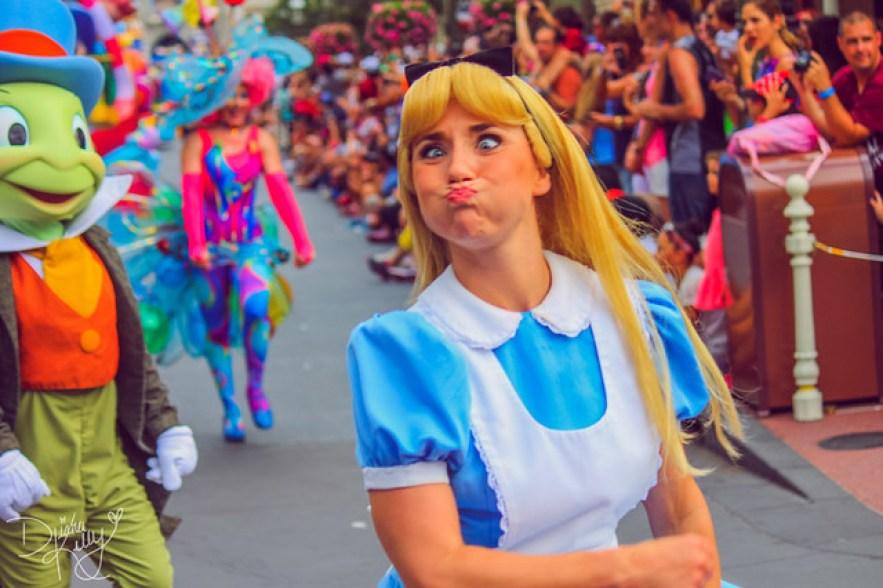 Cała prawda o pracy księżniczek w Disneylandzie. Ta praca, to nie bajka!