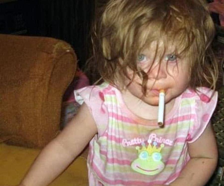 Matka zrobiła makijaż 7-tygodniowemu dziecku! Internauci nie zostawili na niej suchej nitki